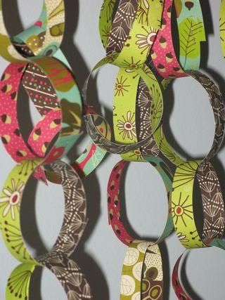 Abdellah's B Day Paper Chain (3)